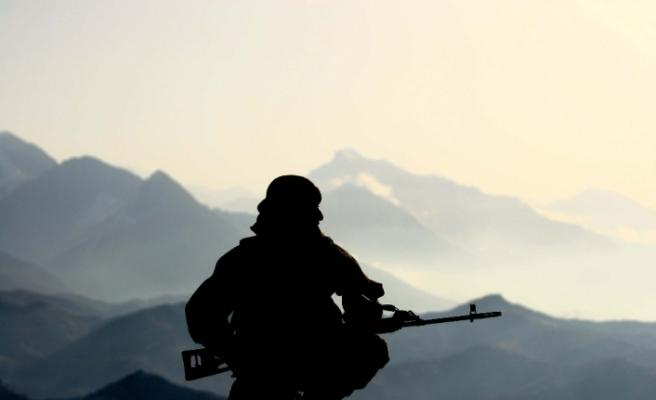 Afrin'de patlayıcı infilak etti: 3'ü ağır 6 asker yaralı