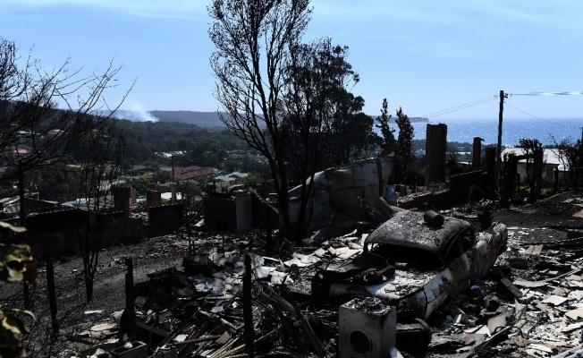 Avustralya orman yangınlarıyla boğuşuyor