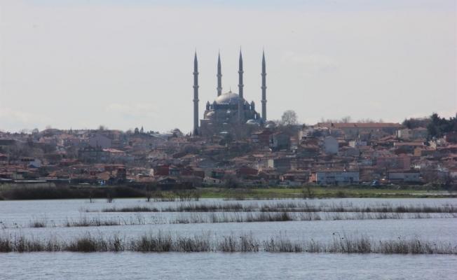 Edirne'de 'kırmızı alarm' devam ediyor