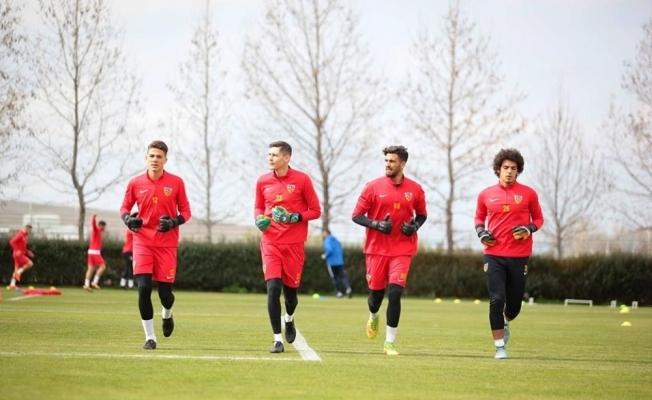 Fenerbahçe maçında kalede kim olacak ?