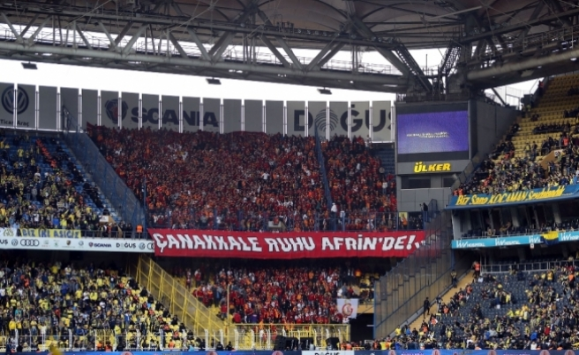 Galatasaray taraftarından Kadıköy'de anlamlı pankart