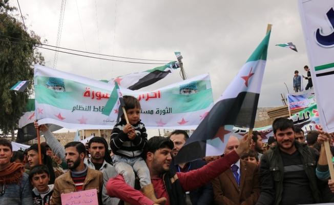 Haleplilerden Zeytin Dalı'na destek gösterisi