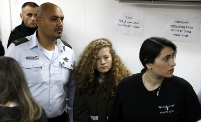 İşgalci İsrail askerine tokat atan Ahed Tamimi'ye hapis cezası