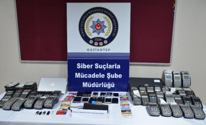 Kredi kartı dolandırıcılarına operasyon: 26 gözaltı