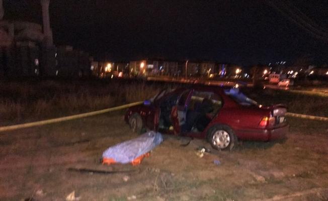 Otomobiller birbirine girdi: 2 ölü, 2 yaralı