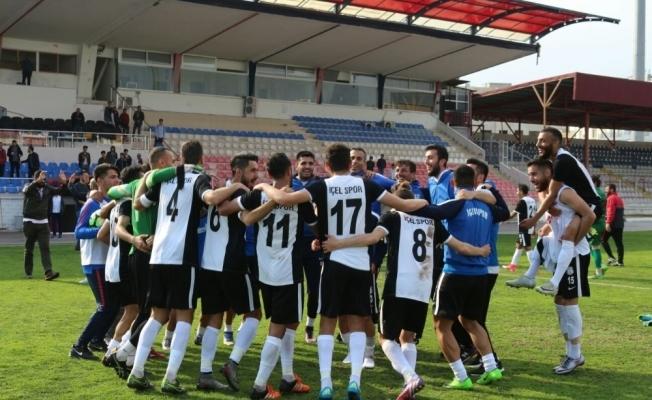 Pepe İçelspor'u kutladı
