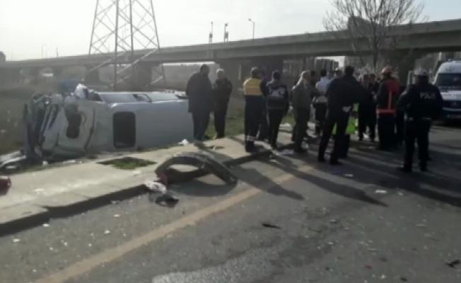 Yolcu minibüsü kaza yaptı: 15 yaralı