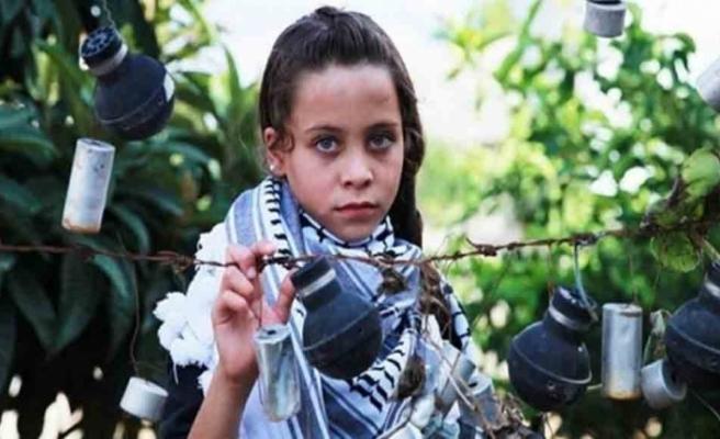 """12 yaşındaki çocuktan İsrail askerlerine: """"İnsansınız ama insanlık yok sizde"""""""