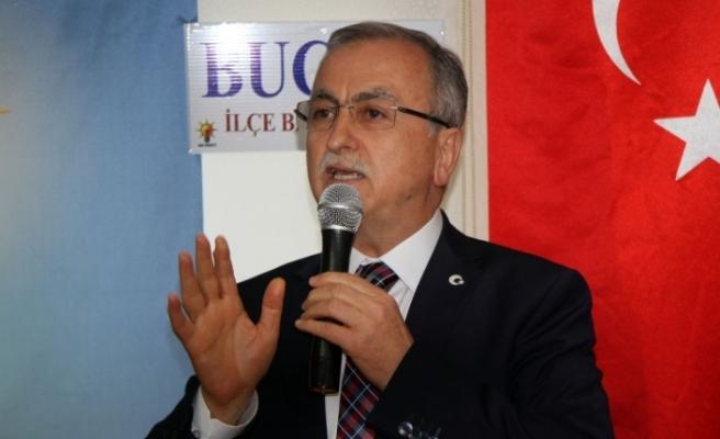AK Partili Petek'ten CHP'li Özel'in iddialarına yanıt