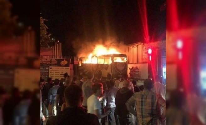 Altay'ın takım otobüsü alev alev yandı
