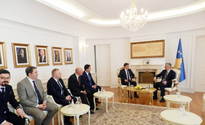 Kosova Cumhurbaşkanı, ülkesindeki Türklerle bir araya geldi