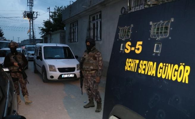 Silah kaçakçılarına şafak baskını:15 gözaltı