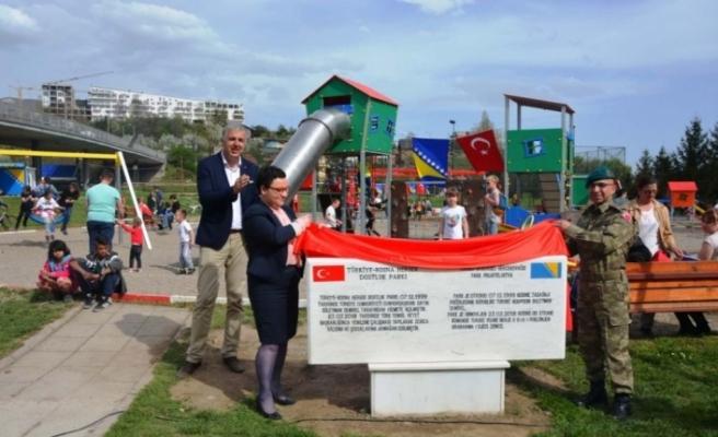 TSK Bosna-Hersek'te çocukların yüzünü güldürdü