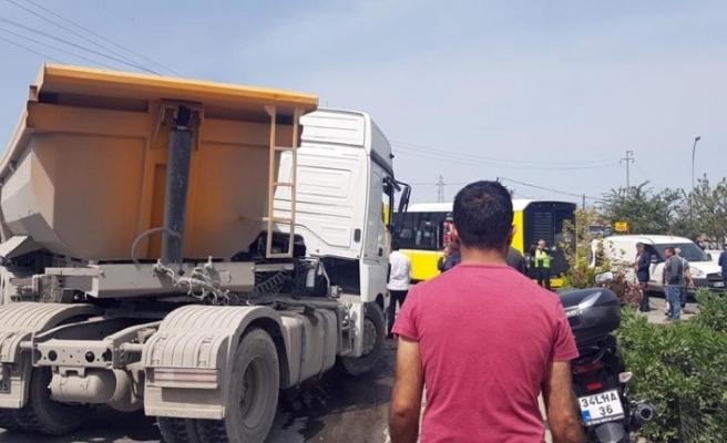 Yine hafriyat kamyonu kazası: 5 yaralı