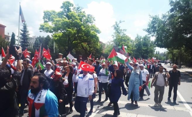 Ankara'da binlerce kişi İsrail ve ABD'yi protesto etti