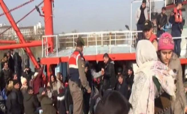 Batan bottaki 50 kaçak göçmen kurtarıldı