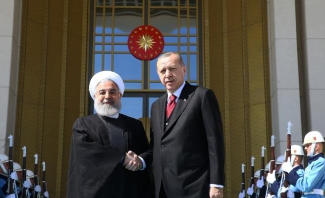 Erdoğan Ruhani ile telefonla görüştü
