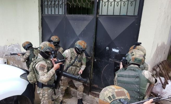 Zehir tacirlerine operasyon: 59 gözaltı