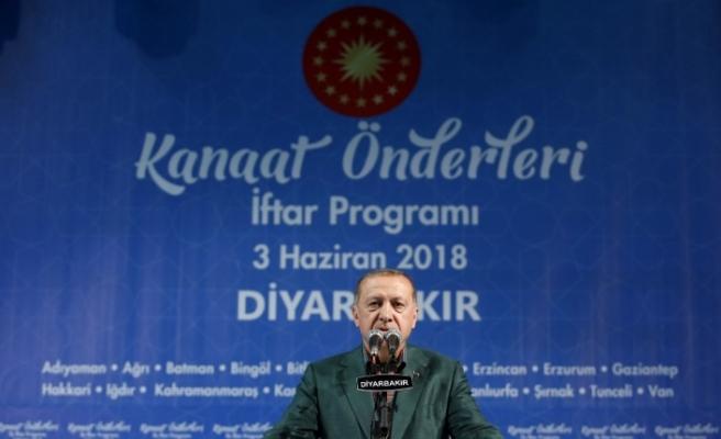 Erdoğan Diyarbakır'da kanaat önderleriyle buluştu