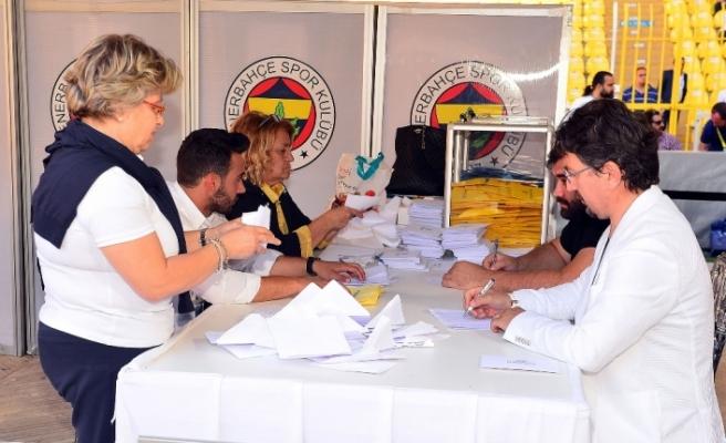 Fenerbahçe'de oy sayımı başladı