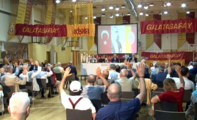 Galatasaray'ın divan toplantısı başladı