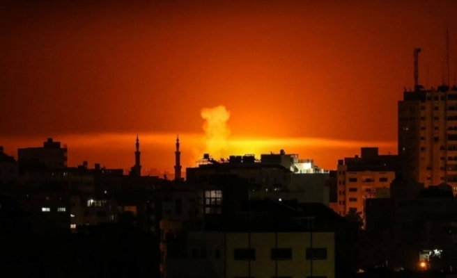 İsrail Gazze'ye saldırdı