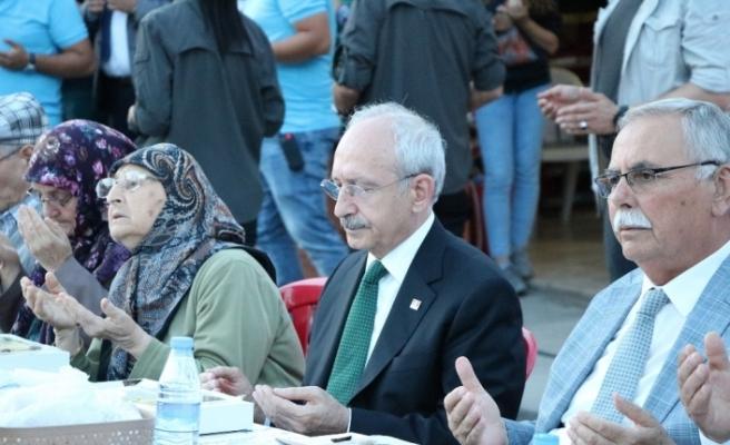 Kılıçdaroğlu Çanakkale'de iftara katıldı