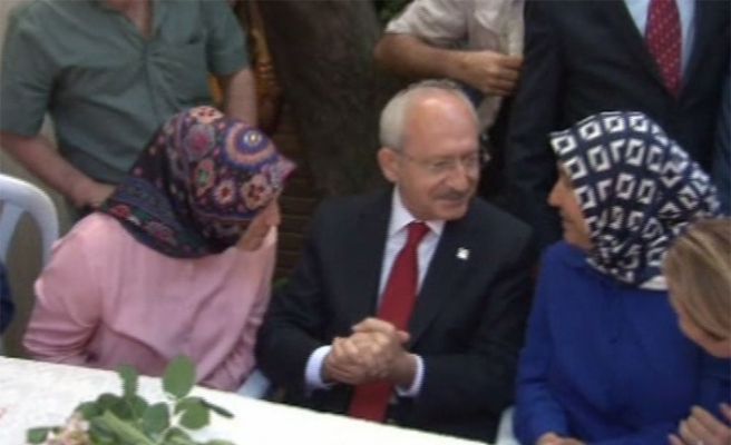 Kılıçdaroğlu Pendik'te vatandaşlarla bir araya geldi