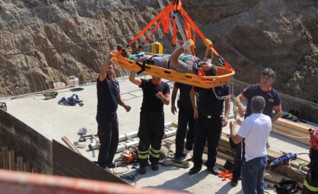 Köprülü kavşak inşaatından göçük