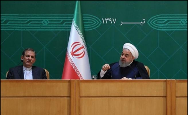 """Ruhani: """"Hükümet istifa etmeyecek"""""""