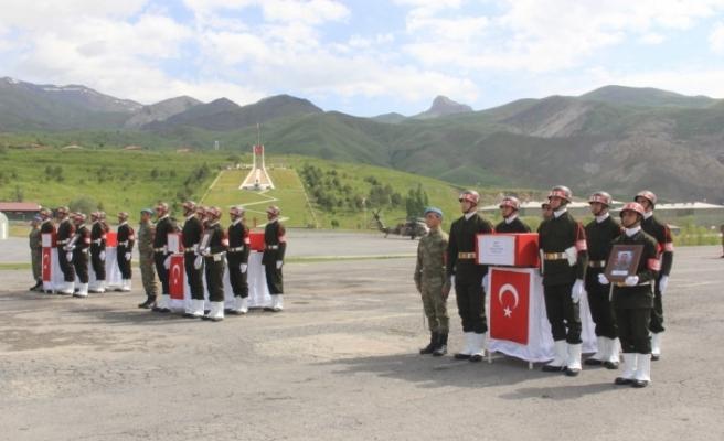 Şehitler törenle memleketlerine uğurlandı