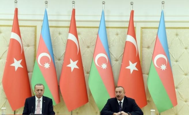 Erdoğan, Aliyev ile bir araya geldi