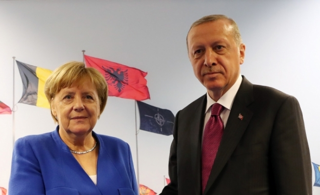 Erdoğan Almanya Başkanı Merkel ile görüştü
