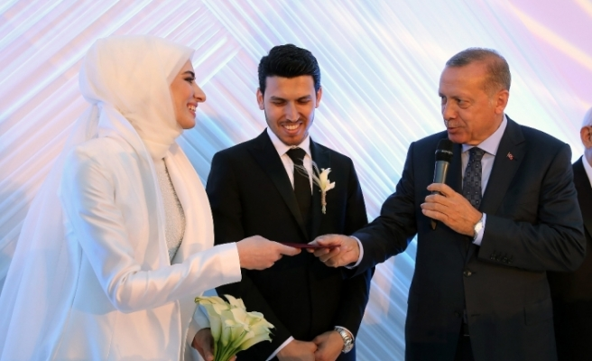 Erdoğan, Numan Kurtulmuş'un kızının nikah törenine katıldı