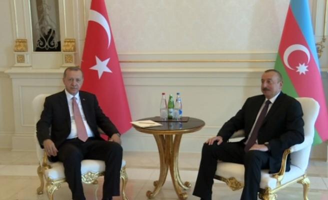 Erdoğan ve Aliyev baş başa görüştü