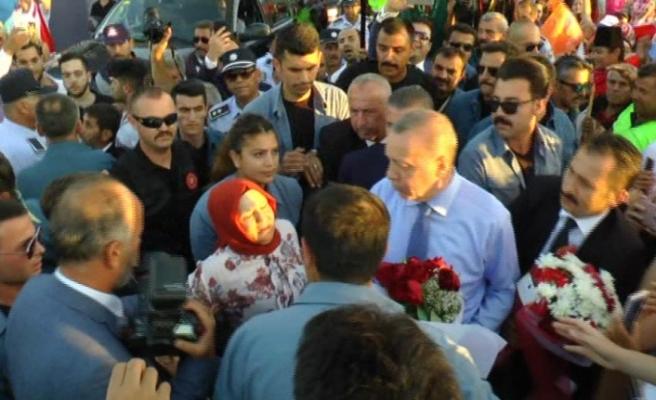 KKTC'de Erdoğan'a sevgi seli