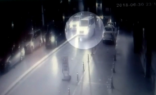 Lüks minibüsten taksi şoförüne silahlı saldırı