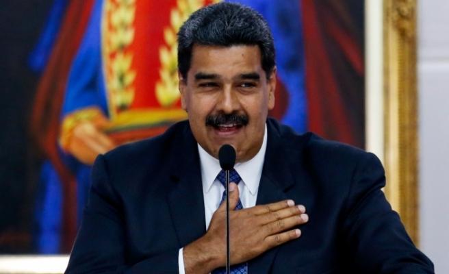 """Maduro'dan """"Selvi Boylum Al Yazmalım""""lı paylaşım"""
