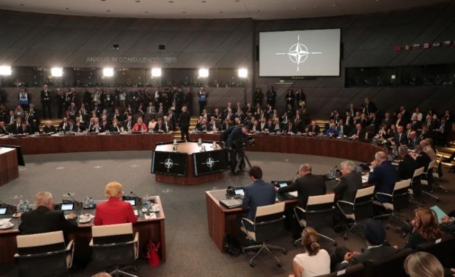 NATO Zirvesi'nde kriz
