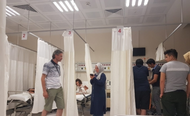 Tam 72 turist zehirlenme şikayetiyle hastanede