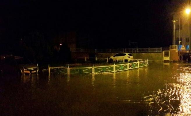 Tekirdağ'da sokaklar göle döndü