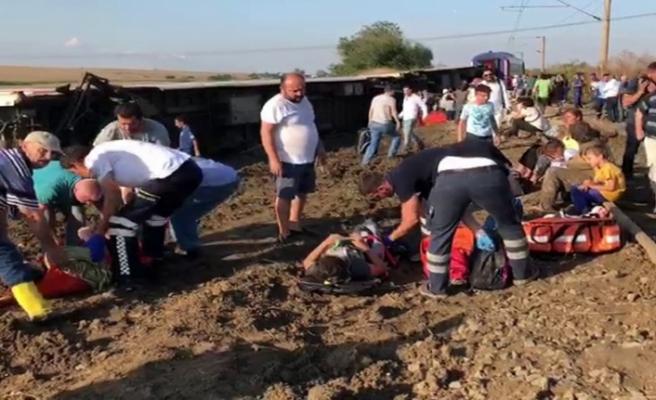 Tekirdağ'da yolcu treni devrildi: Yaralılar var