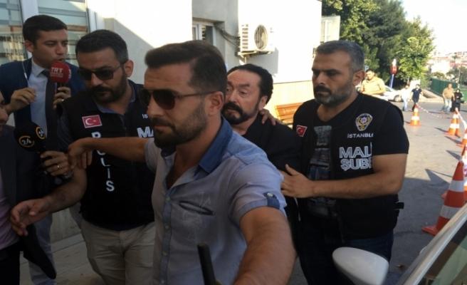 Vatandaşlardan Adnan Oktar'a tepki