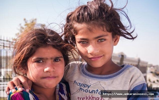 Yunan adalarındaki mülteci çocukların gelecekleri çalınıyor