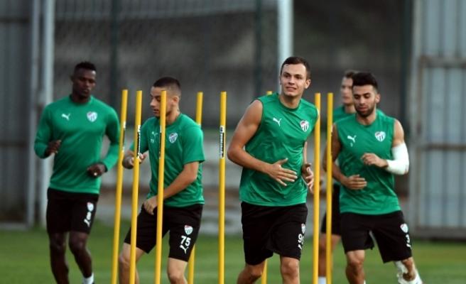 Bursaspor'da Ekong ve Kembo antrenmana katılmadı