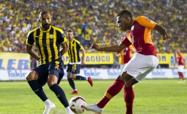 Galatasaray ilk yarıyı 2-1 önde kapattı