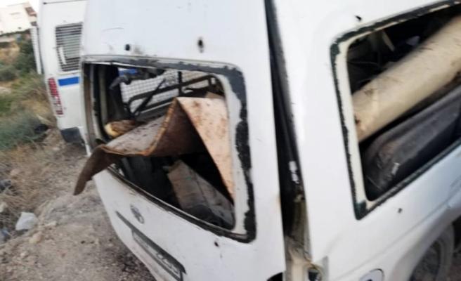 Güvenlik güçlerinin arabasında patlama: 1 ölü 6 yaralı