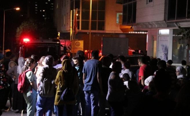 Hastanedeki yangın söndürüldü