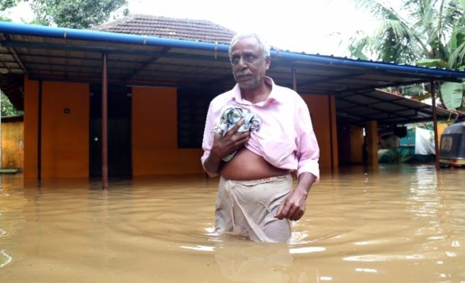 Hindistan'ı sel vurdu: 37 ölü