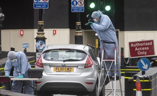 İngiltere'de bir araç yayaların arasına daldı: 3 yaralı